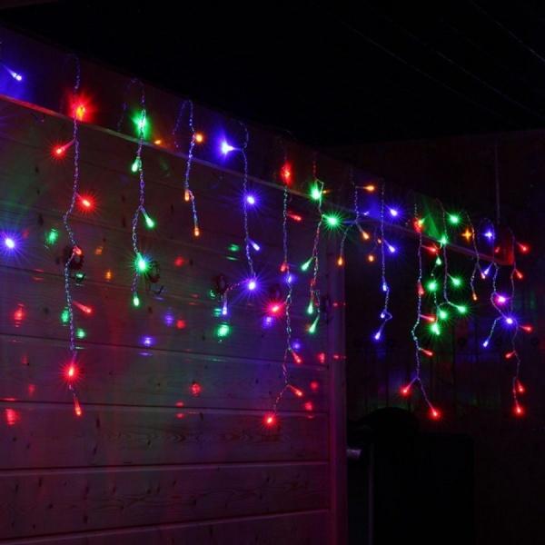 Instalatie Craciun 4 metri, franjuri cu LED-uri, diverse culori